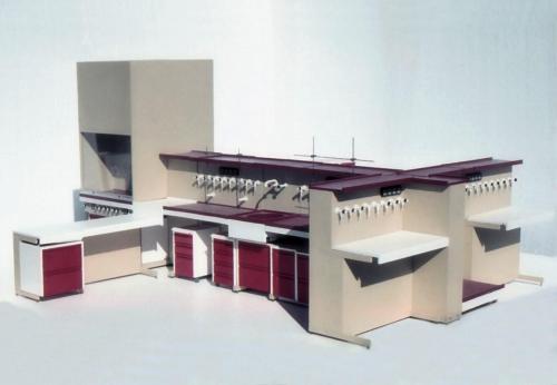 Laboratórny nábytok, Smrečina Pukanec, dizajn: Ján Čalovka, foto: rodinný archív