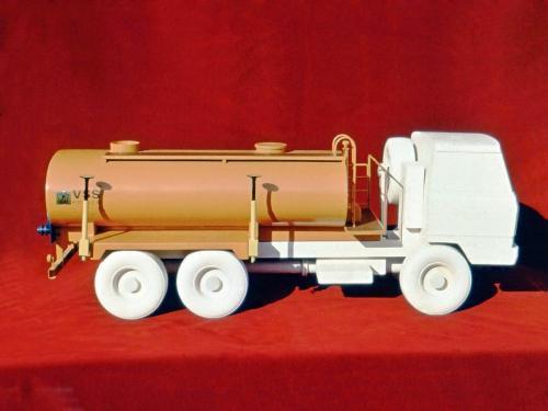 Nadstavba na nákladné autá, Východoslovenské strojárne Košice, dizajn: Ján Čalovka, Ján Ondrejovič, foto: rodinný archív